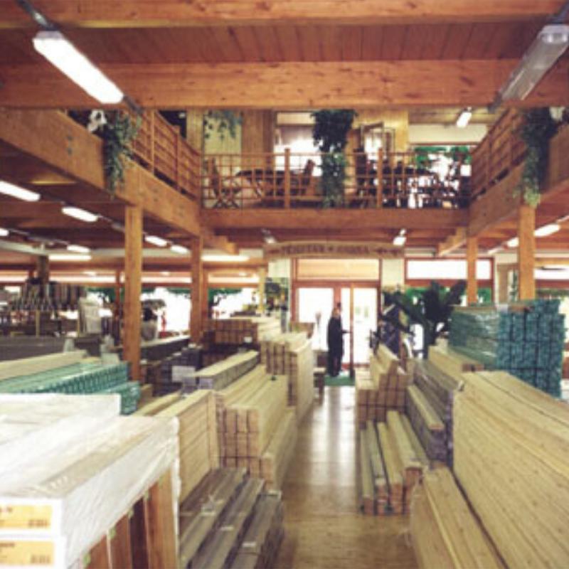 Fa-Centrum Veszprém Házgyári úti üzlet