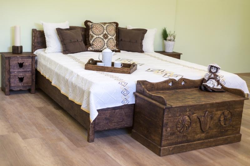 Göcsej ágy és tulipános láda