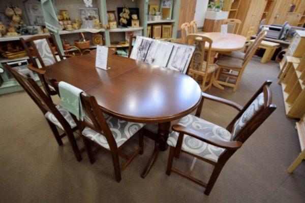 Európa asztal Zala székekkel