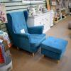 Türkiz kék fotel puffal