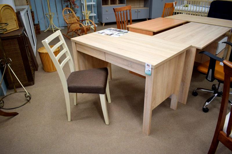 Délity íróasztal székkel