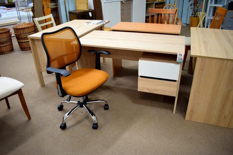 narancs forgószék Délity íróasztal