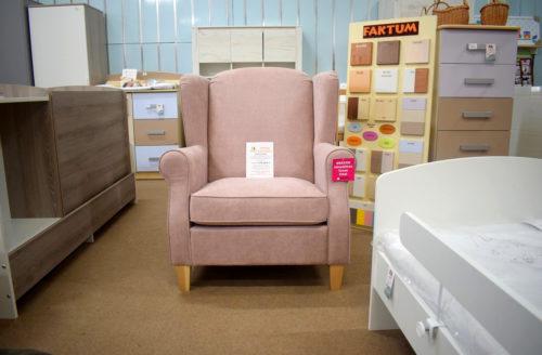 rózsaszín fotel veszprém